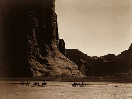 Canyon_de_Chelly,_Navajo